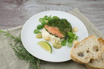Suprême de saumon en croute de noix aux endives