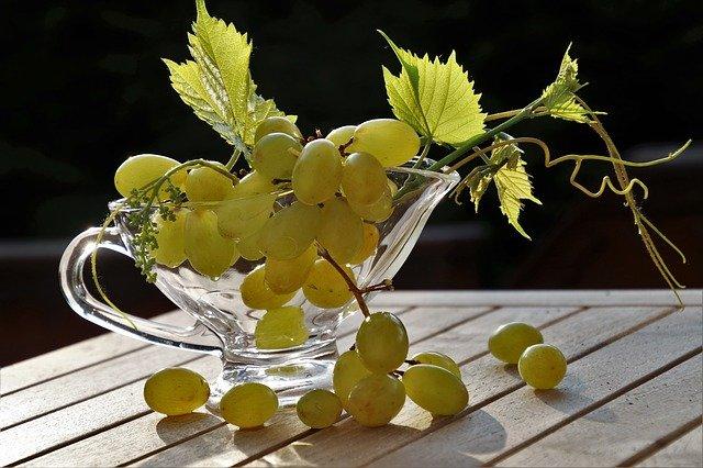 Eplucher du raisin