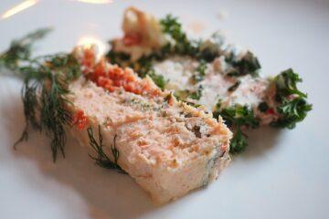 Parfait de saumon fumé sauce aigrelette