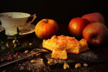 Crumble Aux Deux Pommes, A La Cannelle Et Au Sucre Roux