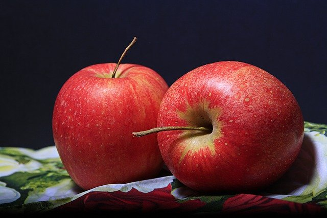 Crumble aux pommes et au fruits rouges