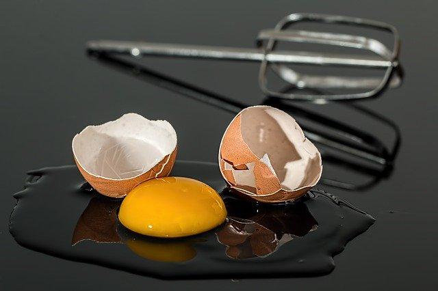 Pour séparer les blancs des jaunes d'œufs
