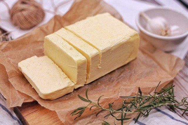 Astuce pour beurrer un moule